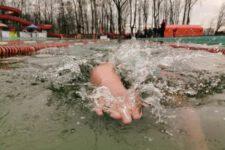 Pływanie ziemowe - basen