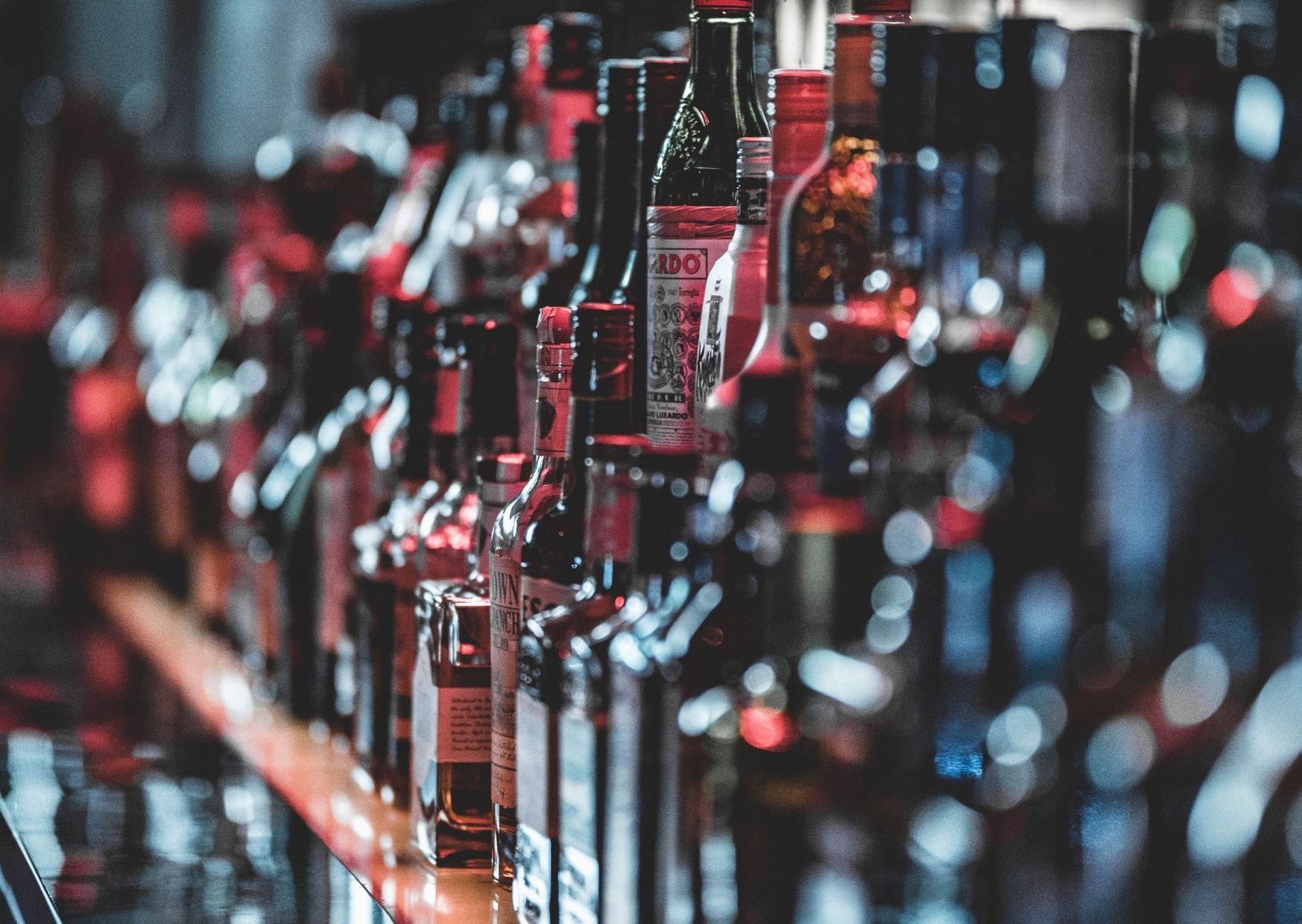 butelki z alkoholem