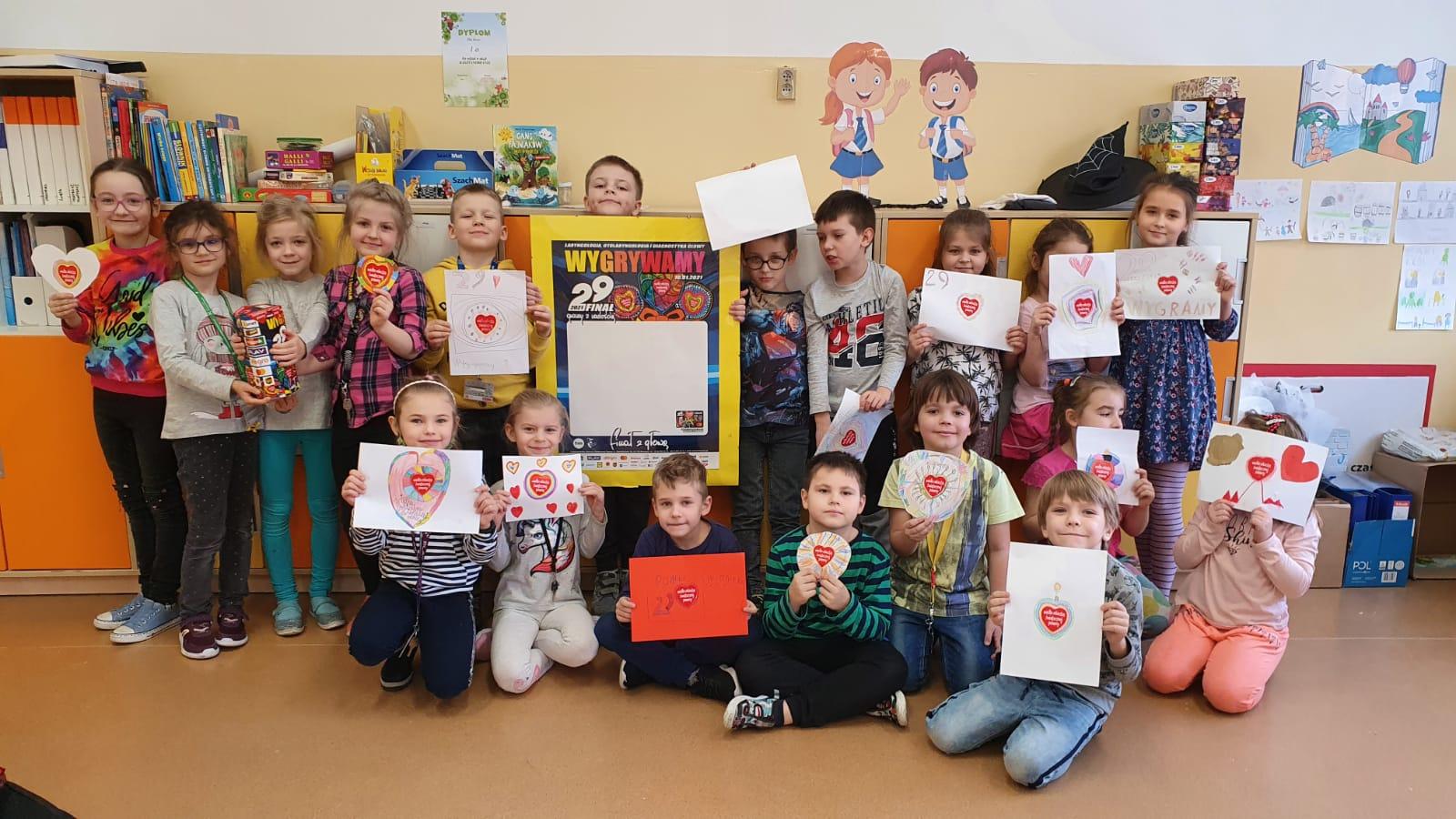 dzieci z ZSO zbierają pieniądze dla WOŚP