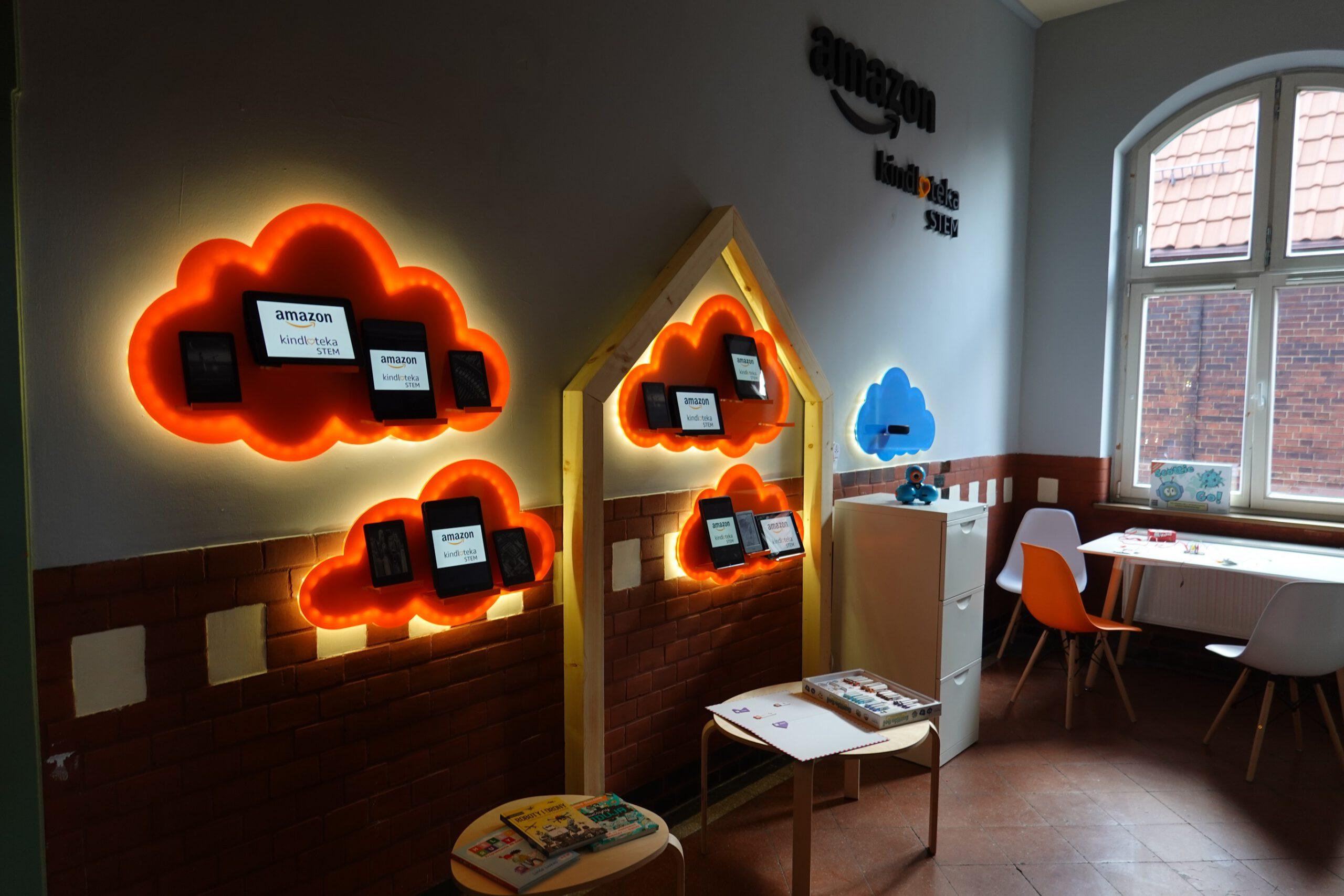 Widok pracowni STEM Kindloteka otworzonej w Centrum Integracji Społecznej w Świętochłowicach